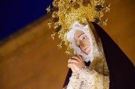 el-encuentro-conmueve-en-la-noche-del-miercoles-santo-en-haro-51